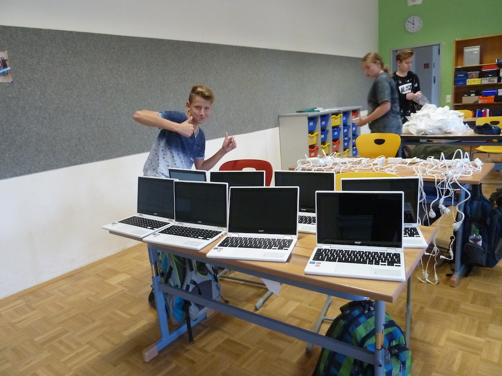 Schule NMS Puch Chromebook P1100472